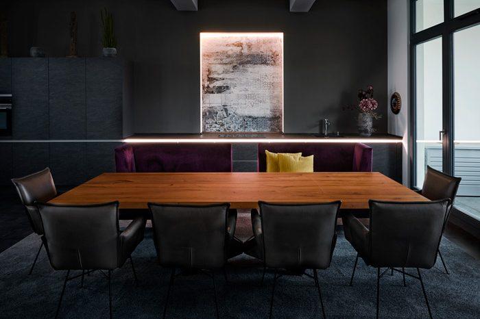 Eine Fliese wie ein Gemälde - Wohnraum mit Loft-Charakter - Motivfliese - Fliesenmeisterei